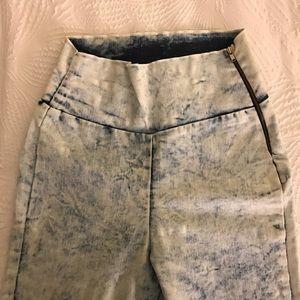 Ultra high waist bleached jeans
